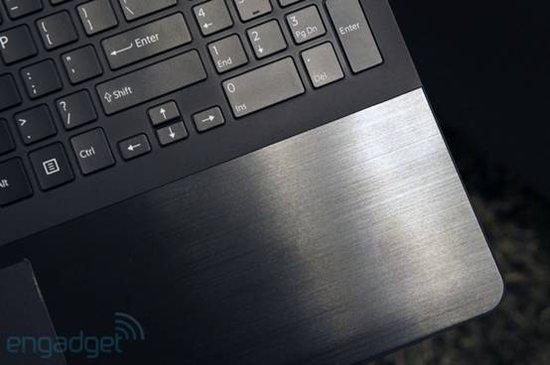 索尼Fit 15新本评测 配1080p屏幕支持NFC